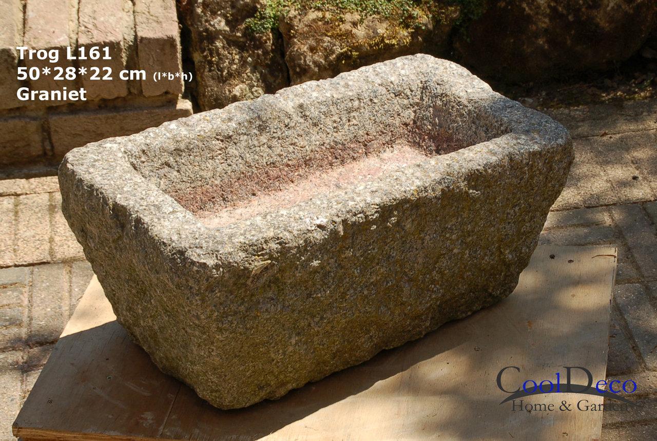 Vogelbad aus Granit - Steintrog L161 eignet sich als Vogeltraenke
